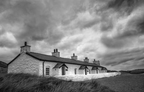 Fishermans Cottages Llanddwyn Island