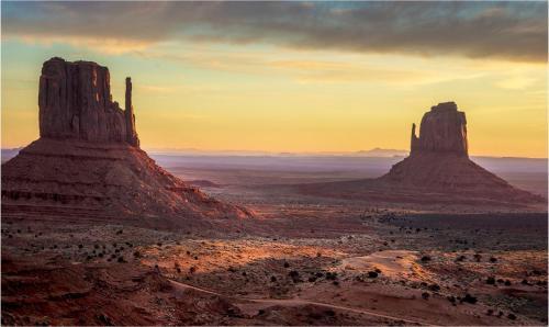 Dawn Monument Valley