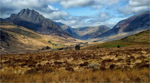 Tryfan and the Ogwen Valley