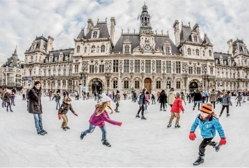 Skating at the Hotel de Ville