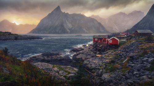 Hamnøy Storm