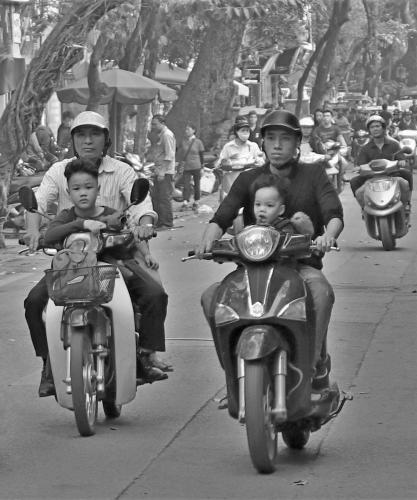 People_Debbie Hall_The Daily Commute - Hanoi Style