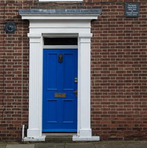 Tony Cole_Orwell's blue door